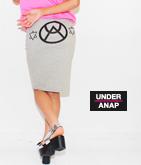 後UAマーク入りスカート
