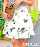 くるみボタン花柄フレアスカート