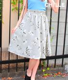 モノトーン花柄フレアスカート