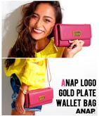 『ANAP』ロゴゴールドプレート付ウォレットバッグ