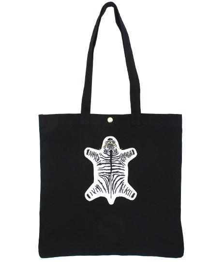 毛皮のじゅうたんワッペントートバッグ|ブラック