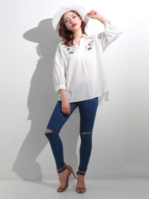 フラワー刺繍バルーンスリーブシャツ