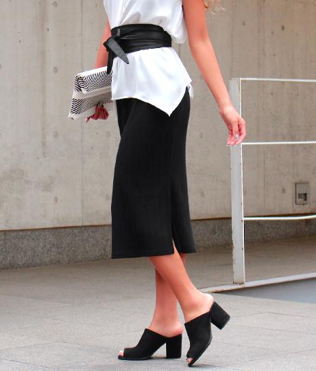 サッシュベルト付きリブタイトスカート