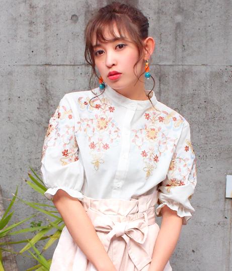 フラワー刺繍半袖シャツ