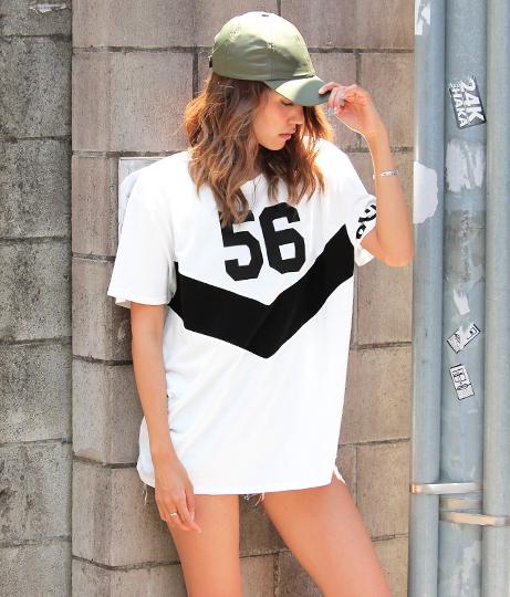 VラインナンバーTシャツ