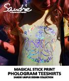 Magic StickホログラムプリントTシャツ