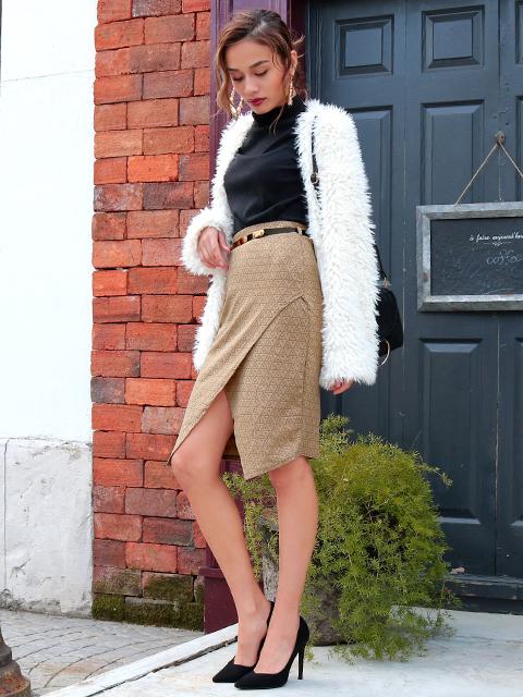 メタルベルト付エンボスタイトスカート