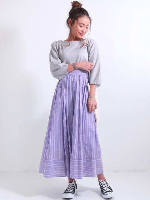 ストライプ柄スカート
